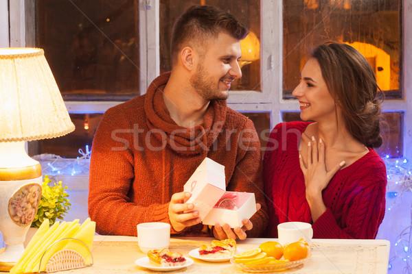 Portré romantikus pár valentin nap vacsora ajándék Stock fotó © master1305