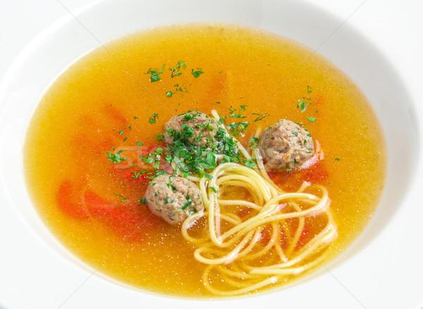 商業照片: 蔬菜湯 · 肉丸 · 白 · 盤 · 橙 · 餐廳