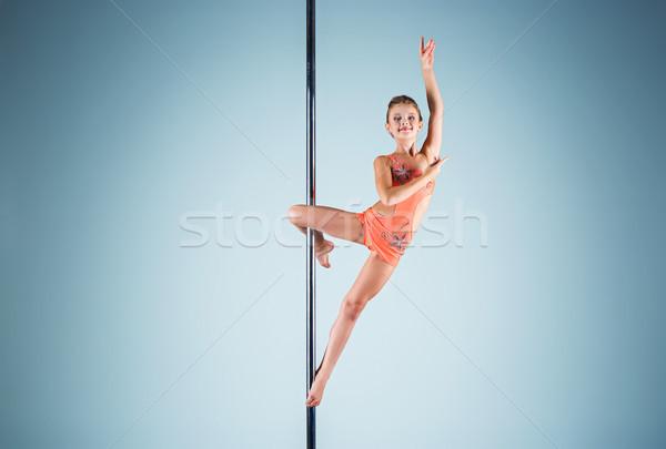 Stok fotoğraf: Güçlü · zarif · genç · kız · akrobatik · spor