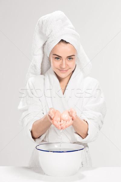 Fiatal nő mosás arc tiszta víz víz szépség Stock fotó © master1305