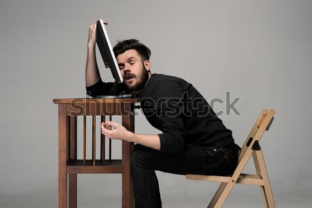 Homme d'affaires dormir portable texte 24 Ouvrir la Photo stock © master1305