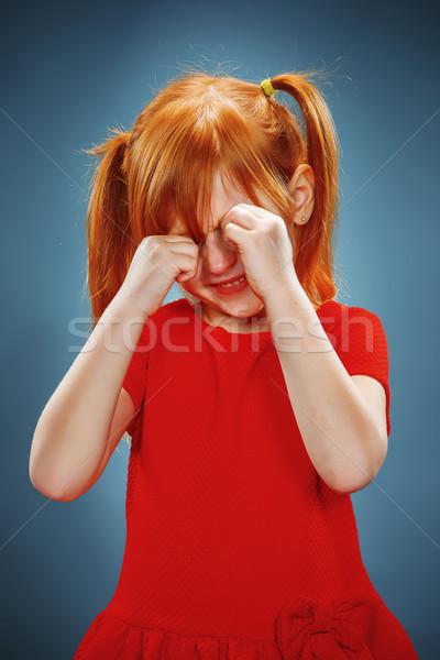 Portret meisje huilen rode jurk Blauw water Stockfoto © master1305