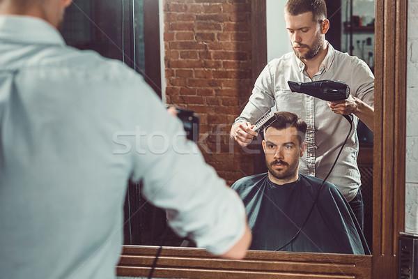 Jonge knap barbier kapsel aantrekkelijk Stockfoto © master1305