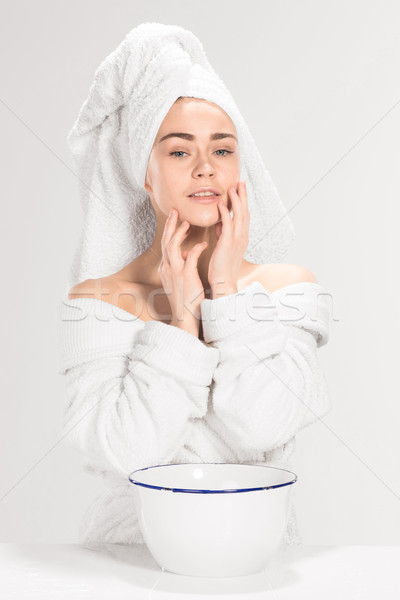 Fiatal nő mosás arc tiszta víz nő víz Stock fotó © master1305
