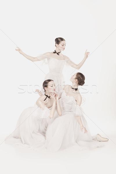 Romántica belleza estilo retro retrato tres mujeres Foto stock © master1305