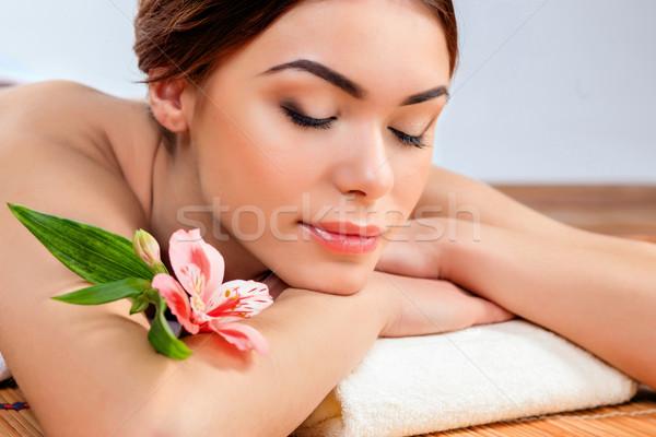 Mooie jonge vrouw spa salon stro Stockfoto © master1305