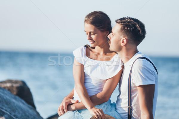 Stockfoto: Gelukkig · jonge · romantische · paar · ontspannen · strand
