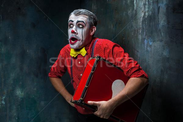 Straszny crazy clown halloween czerwony walizkę Zdjęcia stock © master1305