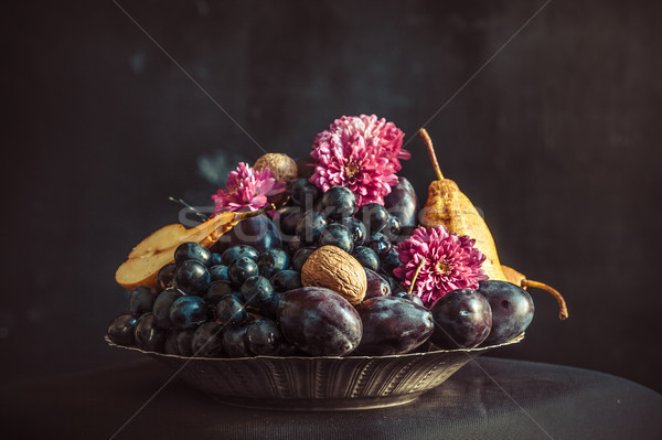 Druiven pruimen donkere muur blad Stockfoto © master1305