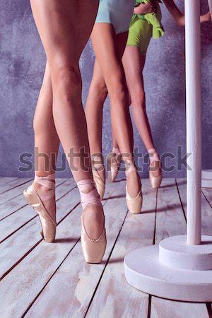 Foto stock: Pé · jovem · sapatos · três