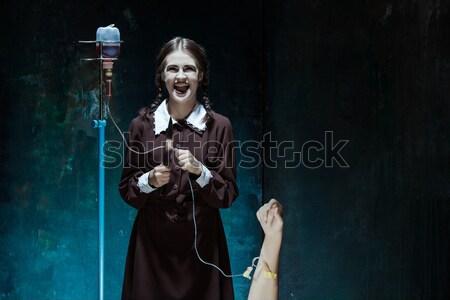 Portrait jeune fille uniforme scolaire tueur couteau Photo stock © master1305