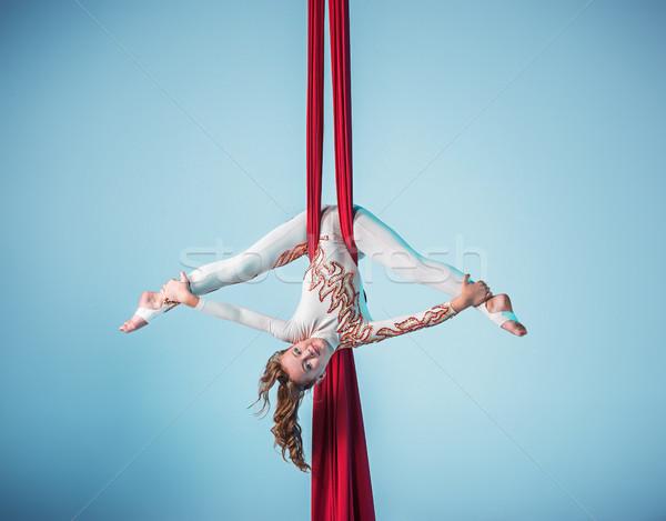 изящный гимнаст антенна осуществлять красный Сток-фото © master1305