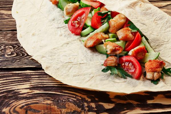 Tradizionale pollo verdura tavolo in legno Foto d'archivio © maxsol7