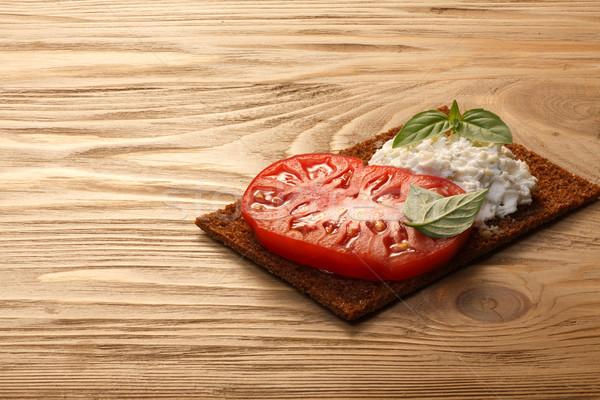 Ekmek domates peynir fesleğen sandviç krem Stok fotoğraf © maxsol7