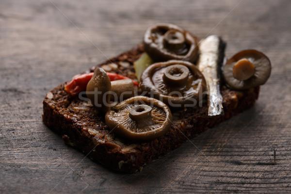 Nyitva szendvics szendvicsek sűrű teljes kiőrlésű rozs Stock fotó © maxsol7