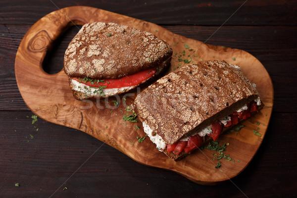 Zalm rogge brood sandwich donkere Stockfoto © maxsol7