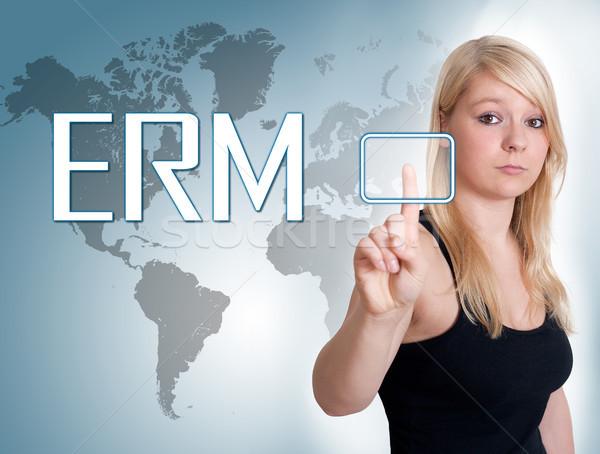 Przedsiębiorstwo zarządzania młoda kobieta naciśnij cyfrowe przycisk Zdjęcia stock © Mazirama