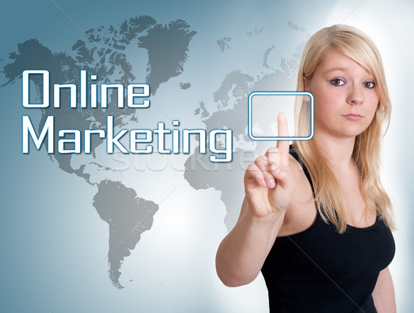 Online marketing jonge vrouw druk digitale knop interface Stockfoto © Mazirama