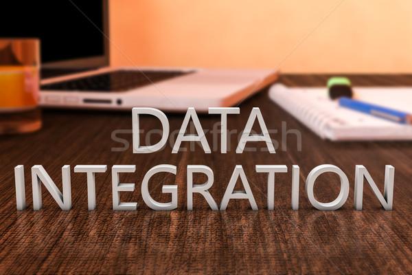 Veri bütünleşme harfler ahşap büro dizüstü bilgisayar Stok fotoğraf © Mazirama