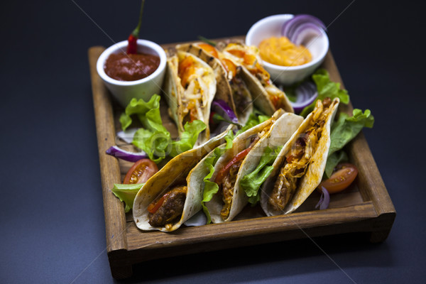 Stockfoto: Mexicaanse · tortilla · vlees · rundvlees · groenten · gekruid