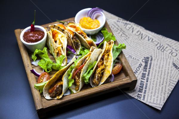 Mexicaanse tortilla vlees rundvlees groenten gekruid Stockfoto © mcherevan
