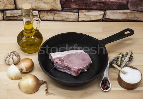 Pièce délicieux fraîches brut porc Photo stock © mcherevan