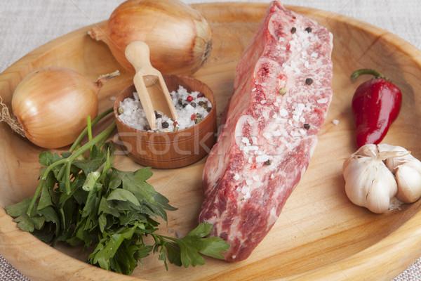 Peça fresco carne salsa cebola Foto stock © mcherevan
