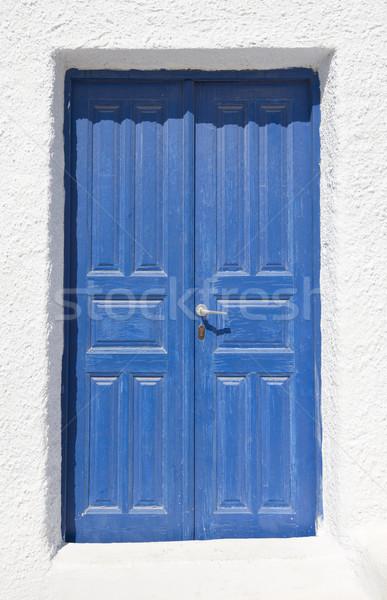 Mavi kapı tipik ada santorini adası Yunanistan Stok fotoğraf © mdfiles