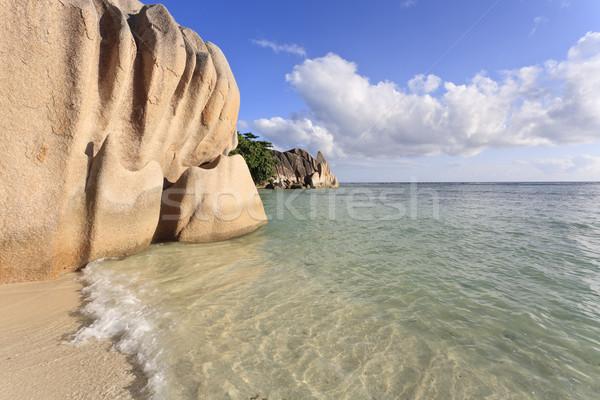 Cennet plaj tipik granit kaya oluşumu ada Stok fotoğraf © mdfiles