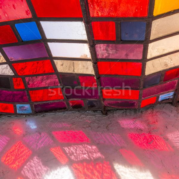Detail zonnestraal kleurrijk venster oude kerk Stockfoto © meinzahn