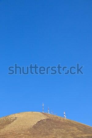 Radio telecommunicatie toren top oude vulkaan Stockfoto © meinzahn