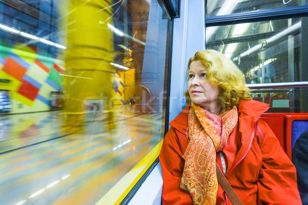 Kobieta metra noc zabawy lustra myślenia Zdjęcia stock © meinzahn