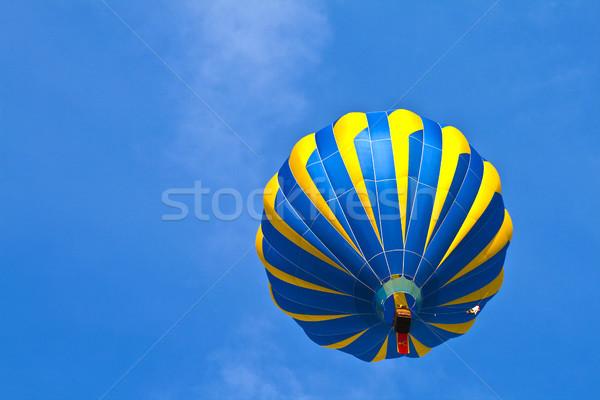 Balonem mętny niebo Błękitne niebo charakter sportowe Zdjęcia stock © meinzahn