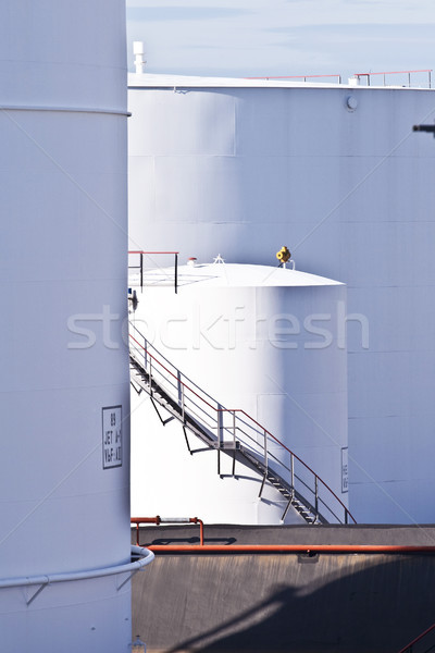 ストックフォト: 白 · タンク · ファーム · 青空 · 青 · 晴天