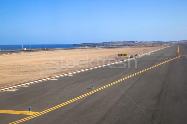 ВПП океана небе улыбка знак аэропорту Сток-фото © meinzahn