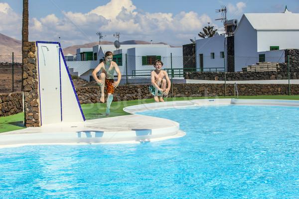 Pools dating