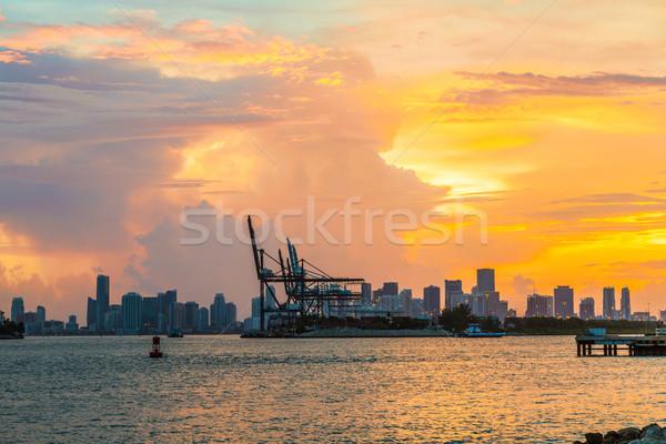 Vue Skyline Miami premier plan coucher du soleil ville Photo stock © meinzahn