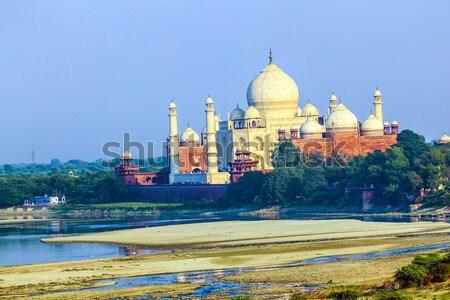 Vue Taj Mahal rouge fort vert champs Photo stock © meinzahn