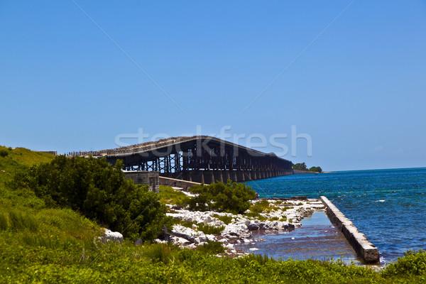 Eski köprü plaj doğa manzara Stok fotoğraf © meinzahn