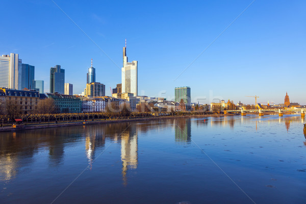 Frankfurt rio principal ver linha do horizonte arranha-céu Foto stock © meinzahn