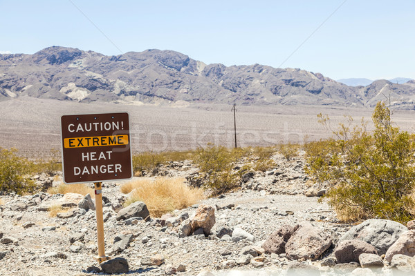 road sign in Death Valley warning travelers of Caution Extreme H Stock photo © meinzahn