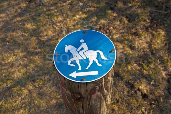 Сток-фото: знак · верховая · езда · разрешено · древесины · природы · зеленый