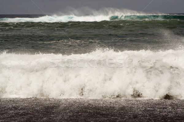 Ağır dalgalar beyaz dalga sorguç fırtına Stok fotoğraf © meinzahn
