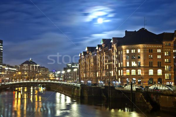 ночь Гамбург исторический закат луна моста Сток-фото © meinzahn