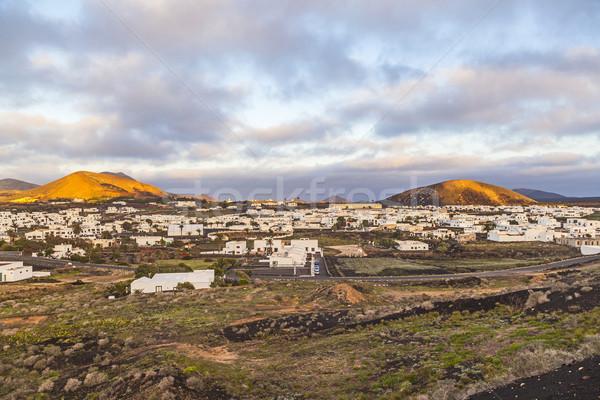 Gündoğumu görmek ev gün batımı manzara çiftlik Stok fotoğraf © meinzahn