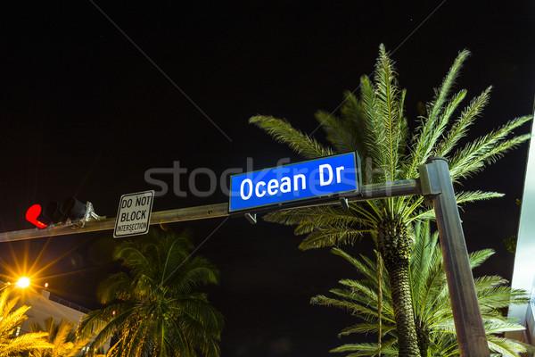 éjszaka kilátás óceán vezetés dél Miami Stock fotó © meinzahn