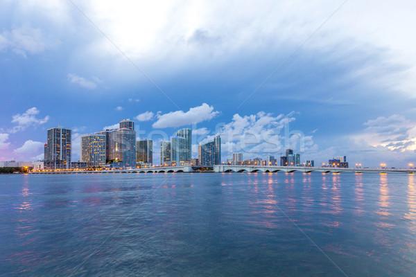 Miami városkép panoráma alkonyat városi felhőkarcolók Stock fotó © meinzahn