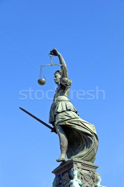 Statua signora giustizia Francoforte sul Meno soldi Foto d'archivio © meinzahn