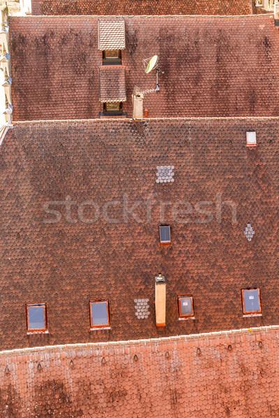 Stok fotoğraf: Eski · çatı · fayans · şehir · kırmızı · mimari