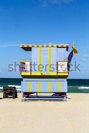 Nyár jelenet tipikus színes úszómester ház Stock fotó © meinzahn